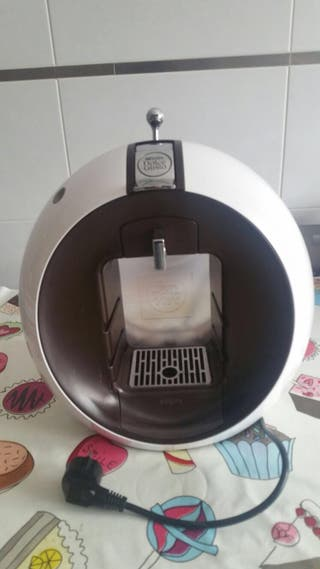 Cafetera. DOLCE GUSTO