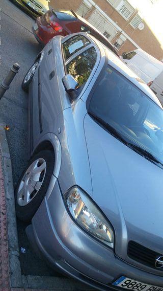 Se vende Opel Astra 2001