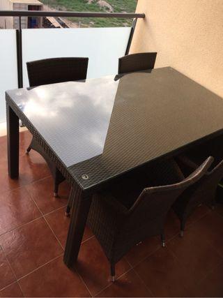 Conjunto sillas y mesa terraza