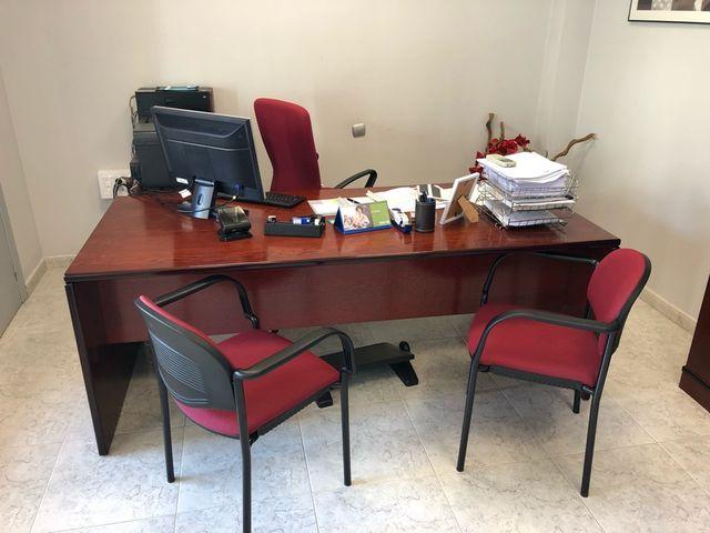 muebles de oficina en cordoba vitrinas a medida en