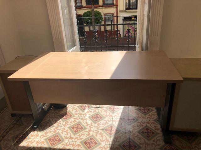 Mesas oficina de segunda mano por 30 € en Huelva en WALLAPOP