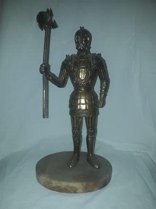 guerrero antiguo bronce