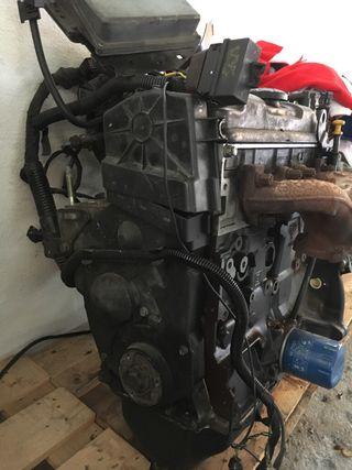 Motor saxo 8 v