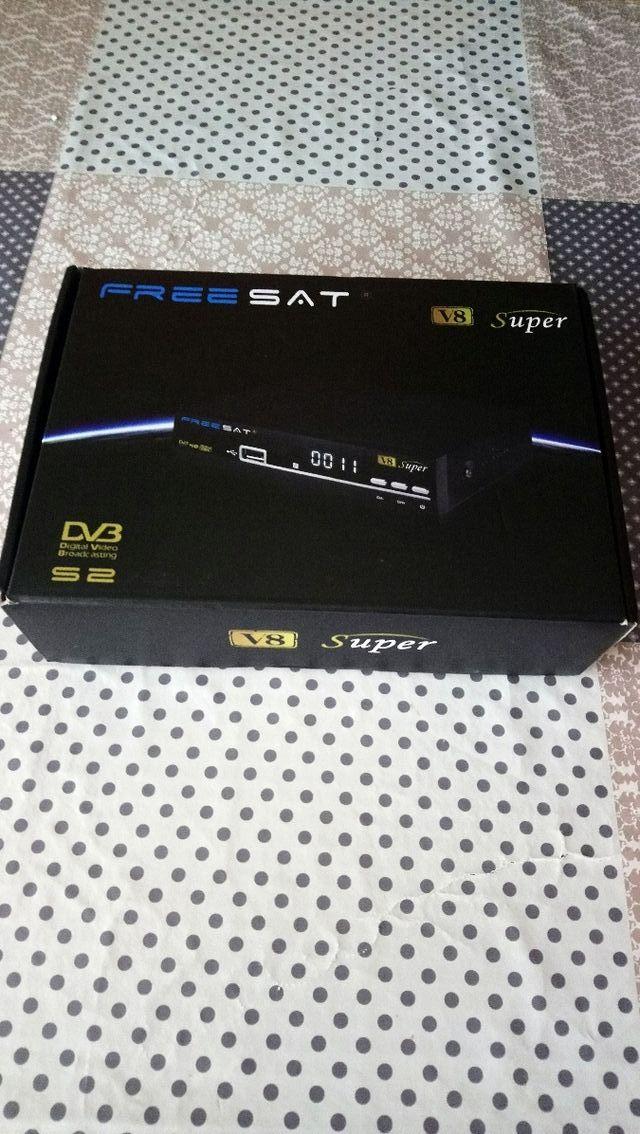 freesat V8