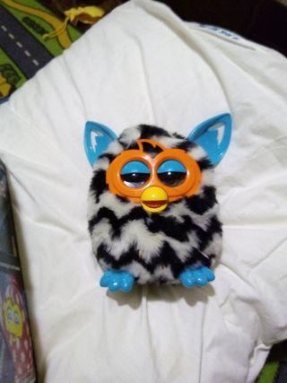 Furby con caja IMPECABLE