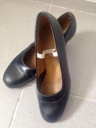 Zapatos sevillanas