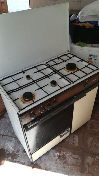 Cocinas de gas con horno de segunda mano en wallapop for Cocinas con horno de gas butano baratas