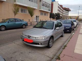 Peugeot 306 de gasolina,90 CV , 112 000 km