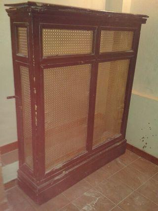 Cubre radiador muy antiguo