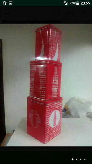 Coleccion de latas metalicas de Cocacola