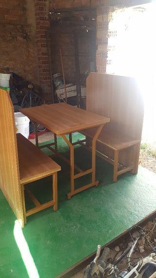 Mesa y bancos para jardin terraza de segunda mano por 200 en