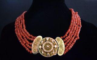 Coral y Oro. Circa 1800.