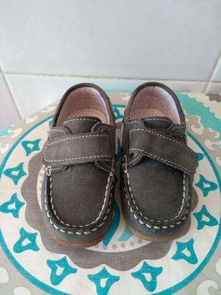Zapatos niño N21 ( 12 meses) aprox