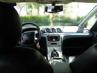 Ford S-MAX 2008.