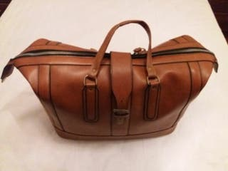 Bolso maleta de piel. vintage en buen estado