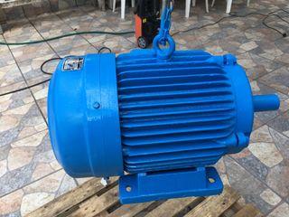 Motor electrico con 10 cv