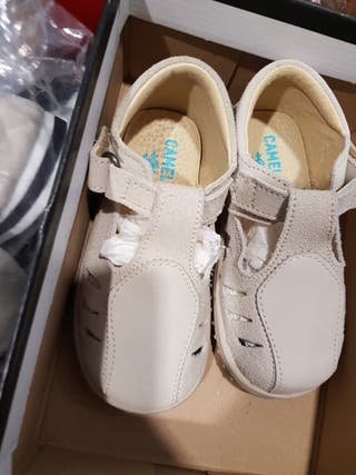 Zapatos de niño. Nuevos a estrenar