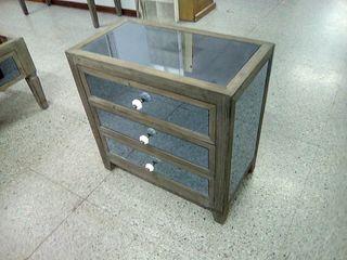 Mesa auxiliar modelo espejo de segunda mano por 124 en madrid en wallapop - Remar muebles madrid ...