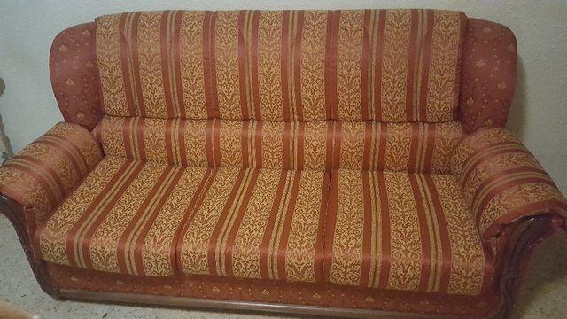 Sofa y 2 sillones.