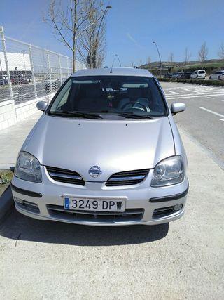 Nissan Almera tino 2005