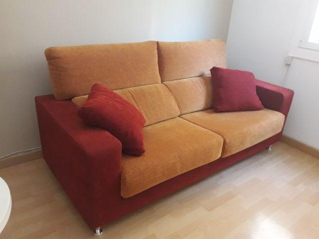 Sofa comedor de segunda mano por 300 € en Barcelona en WALLAPOP