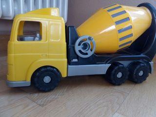 camión hormigonera de plástico