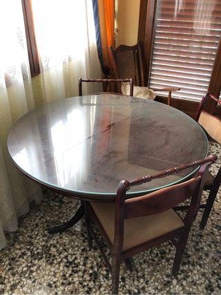Mesa de comedor y 3 sillas