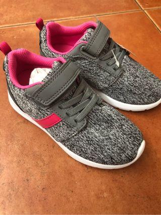 Zapatillas talla 27 nuevas