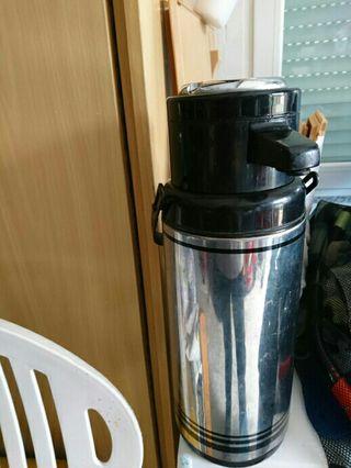 thermo 2 litros con grifo