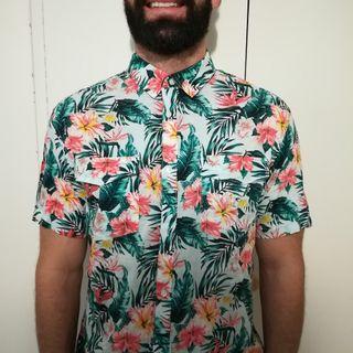 Camisa y bermuda flores hombre de segunda mano por 30 € en