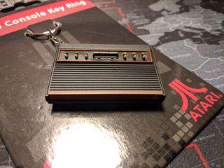 Llavero consola Atari CX-2600 NUEVO A ESTRENAR