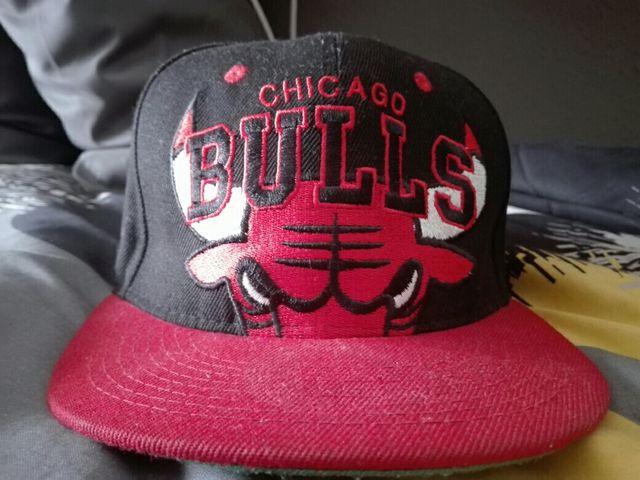 Gorra plana de Chicago Bulls de segunda mano por 5 € en Barcelona en ... 70c4e5da8ce