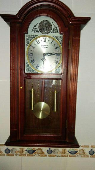 26f19e8edb3c Reloj de pared con pendulo de segunda mano en Cartagena en WALLAPOP