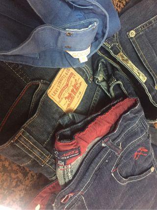 Pantalones marca....9€ cada uno