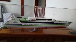 Barco trasmediterranea