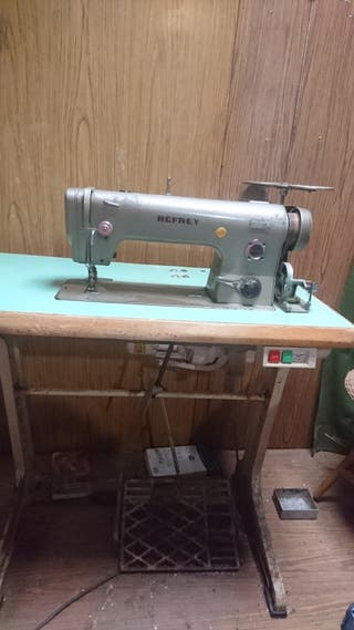 Máquina de coser Refley