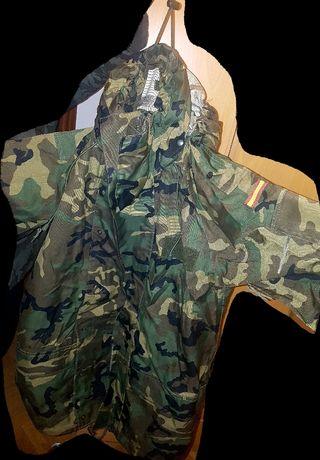 traje militar de intemperie