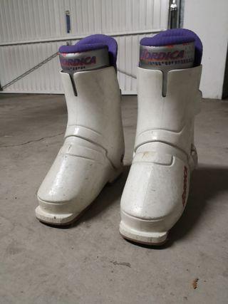 botas para esquís nordica.