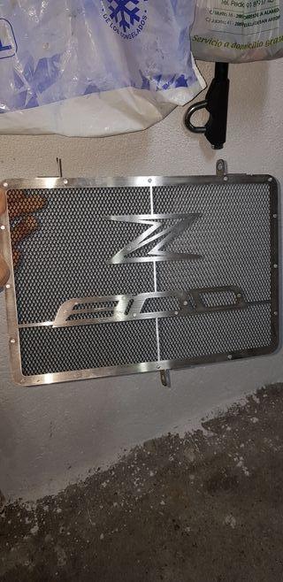 rejilla de radiador Z800 esta nueva sin usar