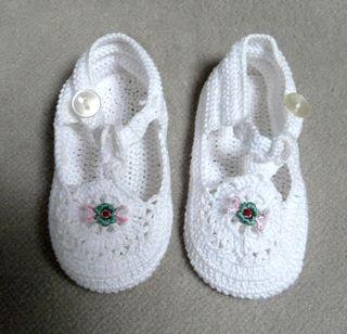 Chaussons bébé en crochet de coton neufs
