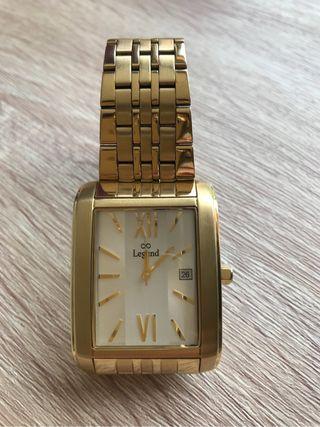 Reloj de hombre nuevo con baño de oro