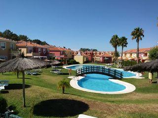 Alquilo casa en campo de golf Islantilla. Huelva.