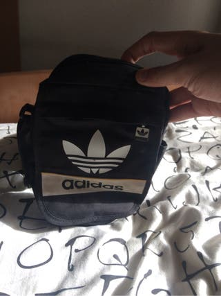 Adidas bolso pequeño