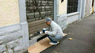 Limpieza y pintura persianas (antigrafitis)
