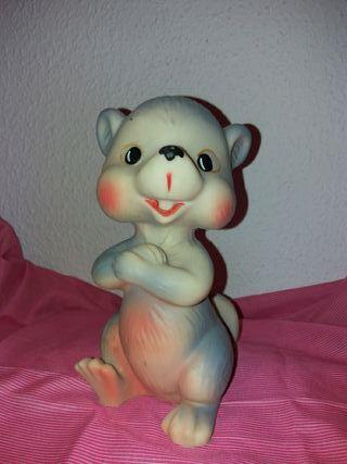 antiguo muñeco de goma