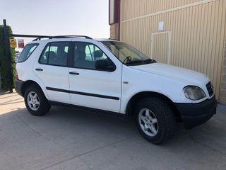Mercedes-Benz ml 2000