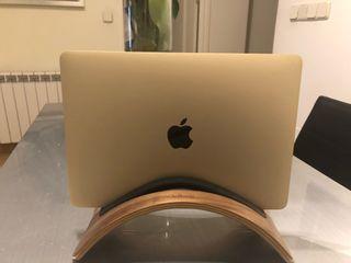 MacBook Pro .