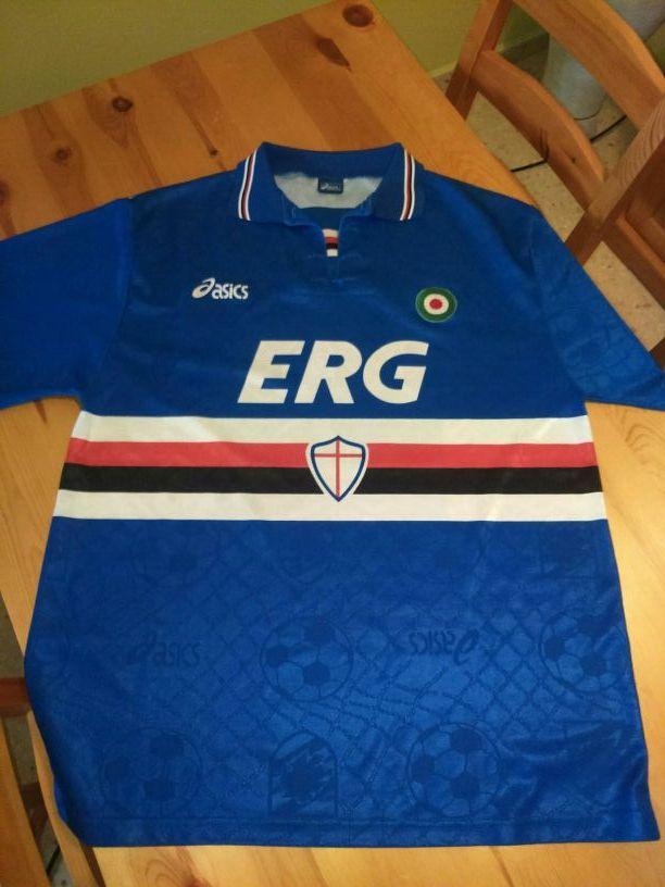 0b335ad717 Camiseta Sampdoria de segunda mano por 75 € en Las Mesas en WALLAPOP