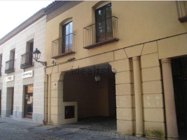 Dos garajes en plaza Ejército, 8, Ávila