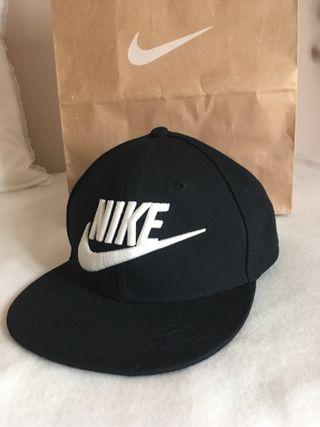 Gorra negra Nike NUEVA